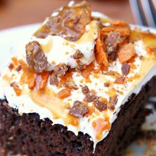 Butterfinger Bomb Cake