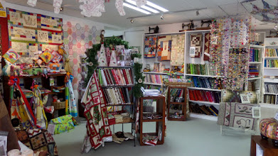 Photo: We stopped in Rotorua where I found this lovely quilt shop.  I bought a wallhanging kit of the New Zealand Christmas tree flowers that I hope to make up soon.