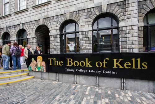 愛爾蘭打工遊學打工度假必去景點the books of kells2