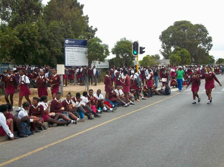 Western Cape school takes strain with eight teachers for 407 Grade 9 pupils - TimesLIVE