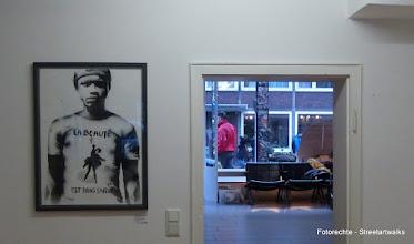 """Photo: Galerie Pretty Portal; Stencils Only 2016; L.E.T """"La beauté est dans la rue"""""""