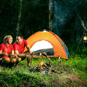 Romance Camp by Zackde Lubis - People Couples ( zackdephotography, outdoor photography, camping, prewedding, couple, romance, engagement )