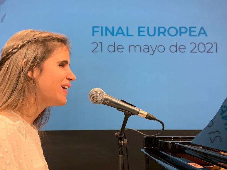 La almeriense Laura Diepstraten durante su presentación.