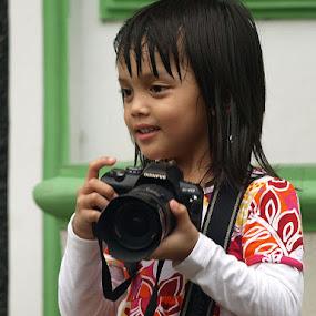 She's a good photographer by Deddy Setiawan - Babies & Children Children Candids