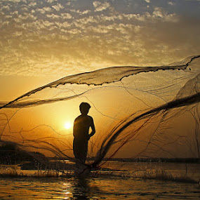 Fisherman by Abdul Rehman - Professional People Agricultural Workers ( cheenab, pakistan, multan, punjab, fisherman, river,  )