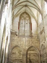 Photo: W bazylice straszą puste mury, ale mimo to można sobie wyobrazić jak wspaniała była w czasach swojej świetności, kiedy to należała do najbogatszych klasztorów w Rzeczypospolitej.
