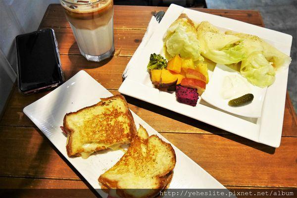 A WAY CAFE -貓王吐司布林餅,異國風味展驚奇