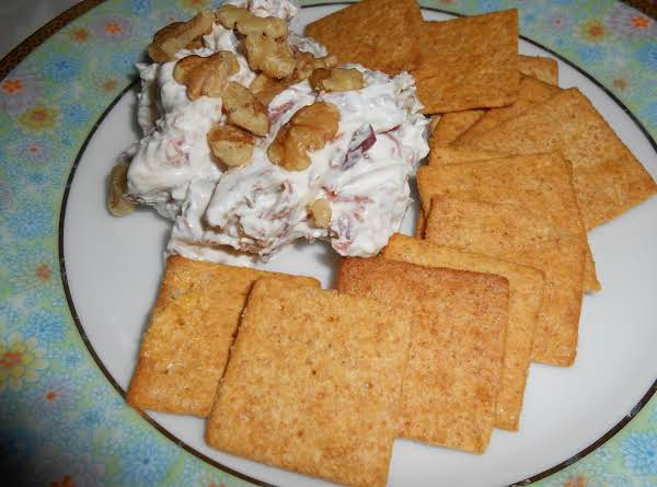 Debbie's Famous Cheese Ball Recipe