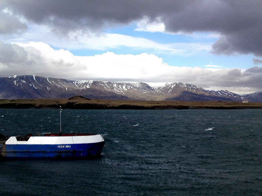 Aloncean by Naomi Fraya - Instagram & Mobile Android ( iceland, ocean, alone )