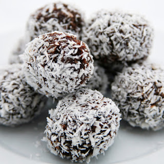 Lindy Cook's superfood bliss balls