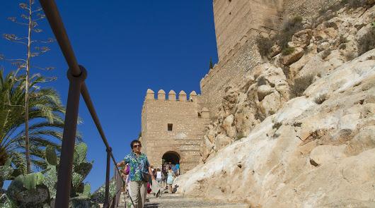 Cultura plantea cobrar tres euros por entrar a la Alcazaba y otros espacios