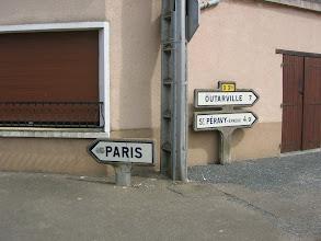 Photo: Toury (28) - Carrefour Rue Nationale/rue des Casernes