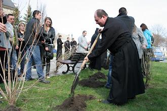 Photo: До садіння приєдналися священики