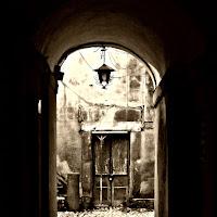 nell'arco ....una porta di