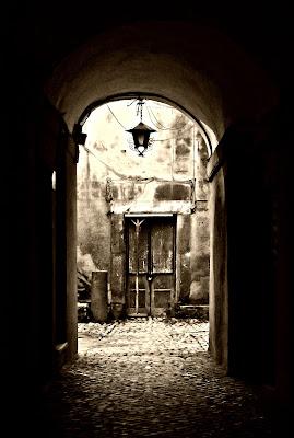 nell'arco ....una porta di click1