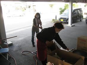Photo: 駐車場では、恒例の豚汁の仕込みが進む