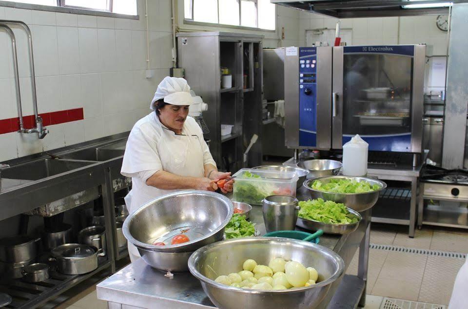 COVID-19: Cozinha da Misericórdia de Lamego continua a servir centenas de refeições