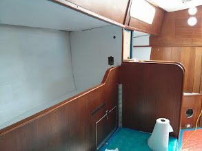 Photo: Pilotberth overhead and section of bulkhead painted white.