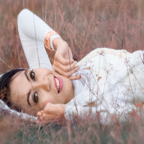 Beautiful Smile by Jukers Hatero - People Portraits of Women ( girl, dream, beautiful, white, smile )