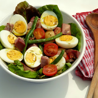 Kiwi Summer Salad with French Dressing