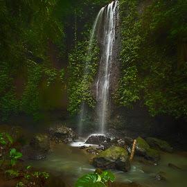 by Jimmy Kohar - Nature Up Close Natural Waterdrops
