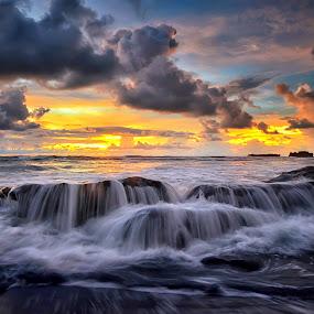 Sun Down by Hendri Suhandi - Landscapes Cloud Formations ( clouds, bali, sunset, beach, sunrise, landscape, sun )