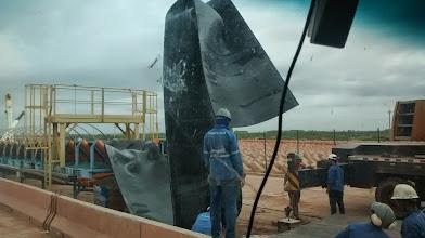 Photo: Montagem da esteira para levar minério para o píer e exportação da Anglo American pelo Porto do Açu