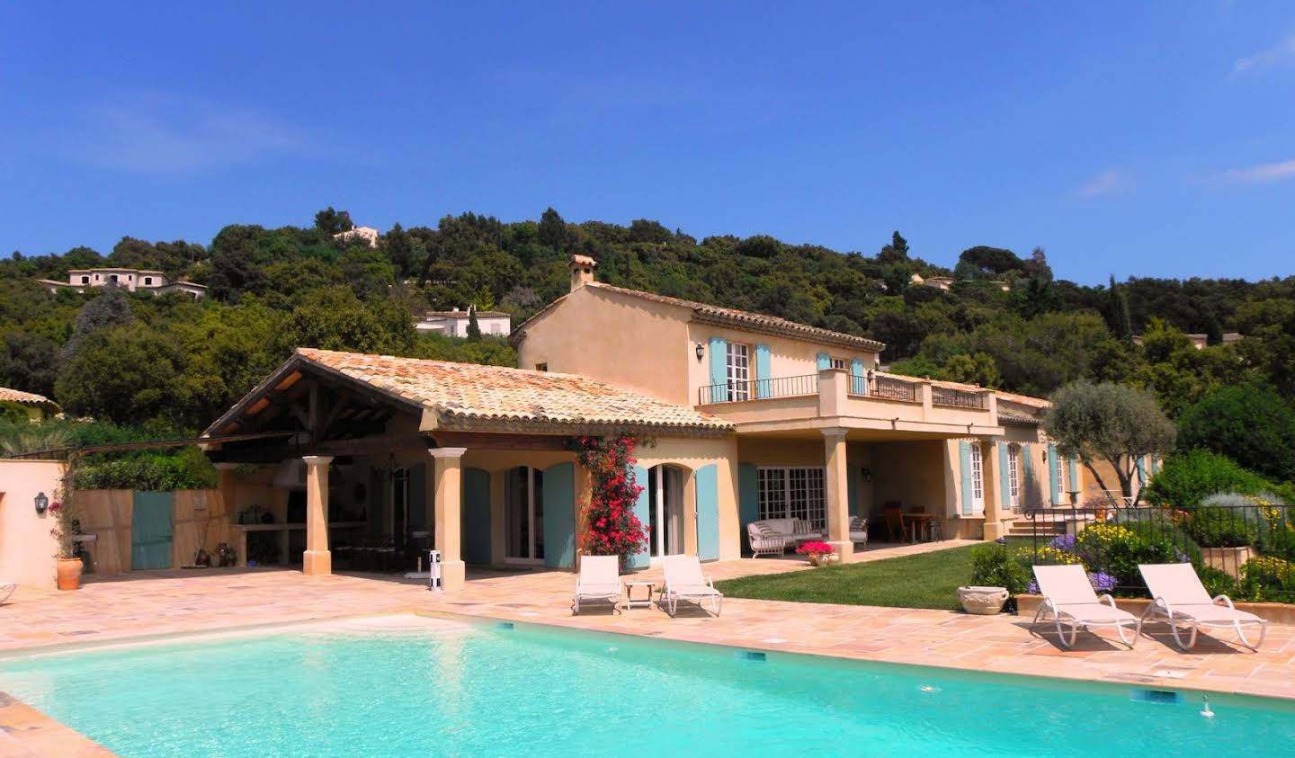 Villa with pool Grimaud