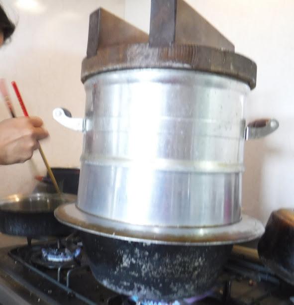 せいろでお茶の葉を50秒蒸す