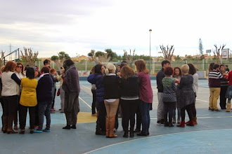 Photo: Agrupados por la Biodanza