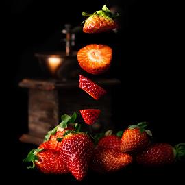 Fragole by Sergio Di - Food & Drink Fruits & Vegetables ( #nikon, #stilelife, #fragole, #d800, #frutta )