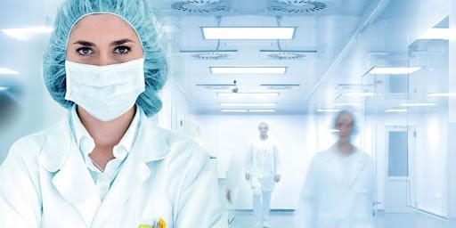 Quần áo bảo hộ y tế được kết hợp với mũ dời