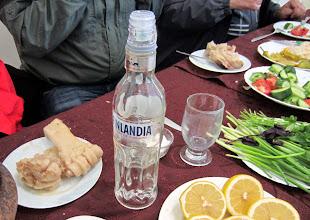 Photo: Palanpainikkeeksi suomalaisporukalla suomalaista vodkaa - ei tarvinnut tuoda Suomesta, sitä on Armeniassa yleisesti tarjolla kaupoissa