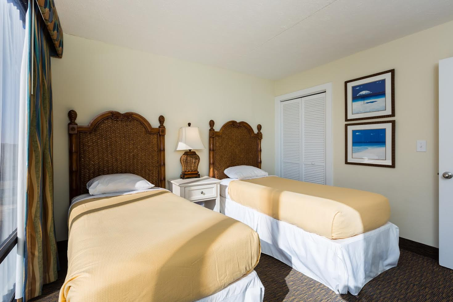 Two Bedroom Oceanfront Picture Number 6