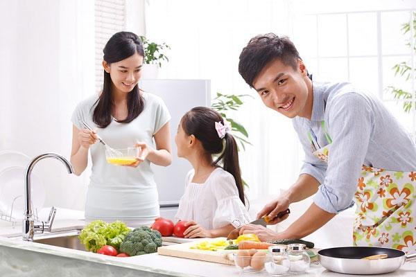 gia sư dạy nấu ăn.jpg