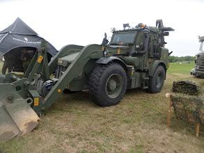"""Photo: HMEE – high mobility engineer excavator, det vill säga en splitterskyddad JCB-grävlastare på 16 ton som försvaret köpt """"över disk"""". Grävlastaren kan köras i 80 kilometer i timmen"""