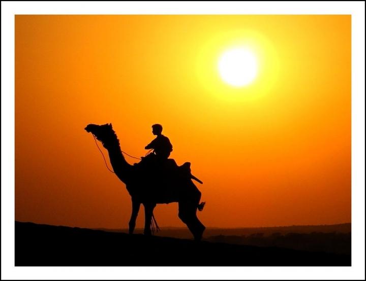 Desert Sunset di Silvio Lorrai