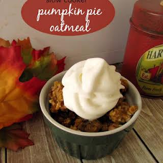 Slow Cooker Baked Pumpkin Pie Oatmeal.