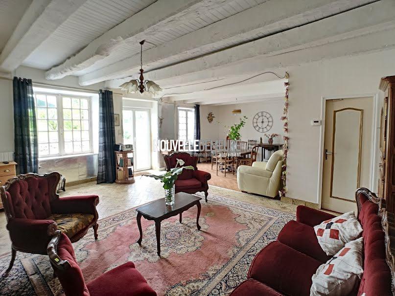 Vente maison 4 pièces 125 m² à Coglès (35460), 218 400 €