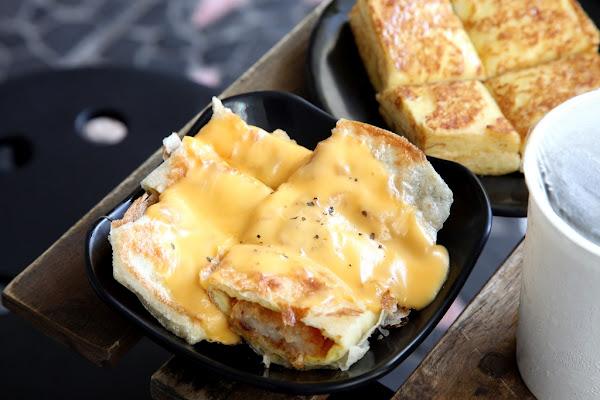 台南美食-Bubuking鐵牛早餐車~整台復古鐵牛車開進早餐店|超犯規熔岩薯餅蛋餅人氣必點