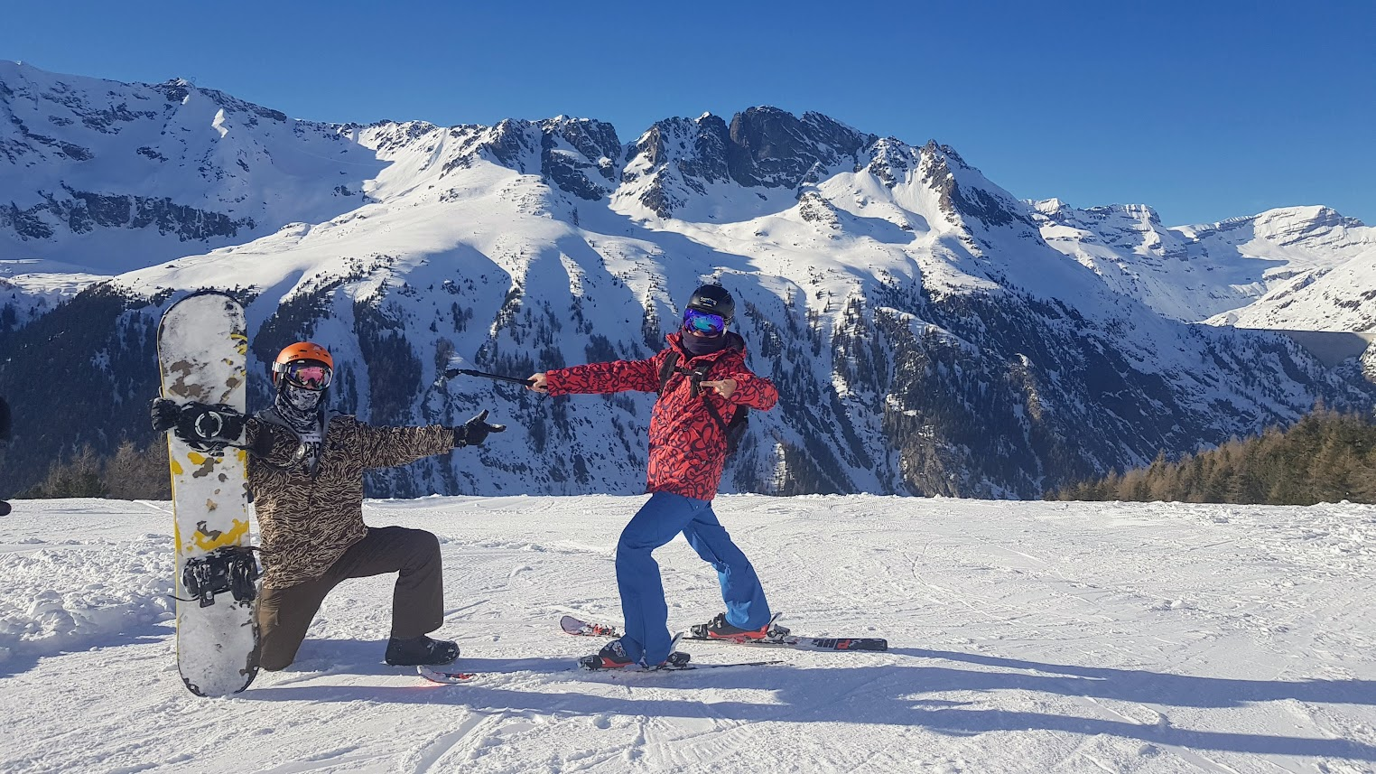 Snowboard and Ski in Chamonix
