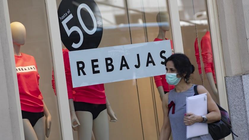 Los empresarios piden que se aplacen este año las rebajas