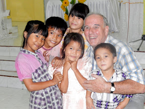 Photo: Another picture of the adorable Indonesian children taken at Tuesday evenings service at Hari Kedua village ... taken after the service.