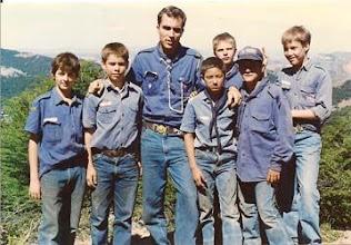 Photo: 1989 - Bariloche, Campamento anual Tropa, Cabaña y Postas