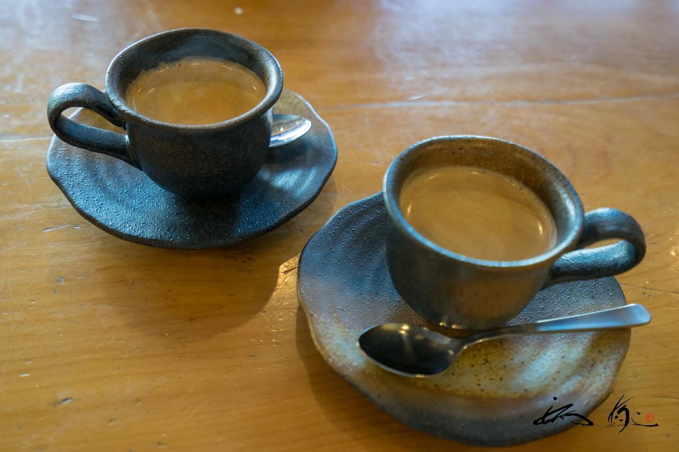 素敵な器で食後のコーヒー
