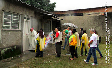 Photo: O Bispo Diocesano Dom Luciano Bergamin entregando a sede São João Paulo II ao Movimento de cursilho da Diocese de N. Iguaçu.
