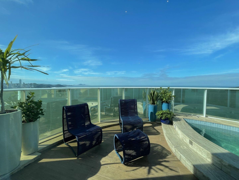 Cobertura Duplex Mobiliada e Decorada com 3 dormitórios à venda, 273 m² por R$ 17.730.000 – Frente Mar – Balneário Camboriú/SC
