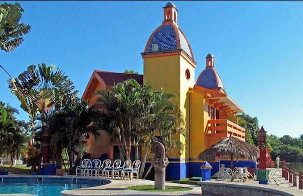 Canadian Resort Vallarta