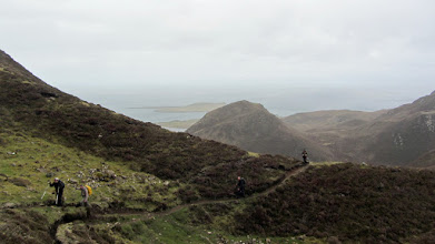 Photo: Naar de Quiraing op de Trotternish Ridge, vanuit Flodigarry