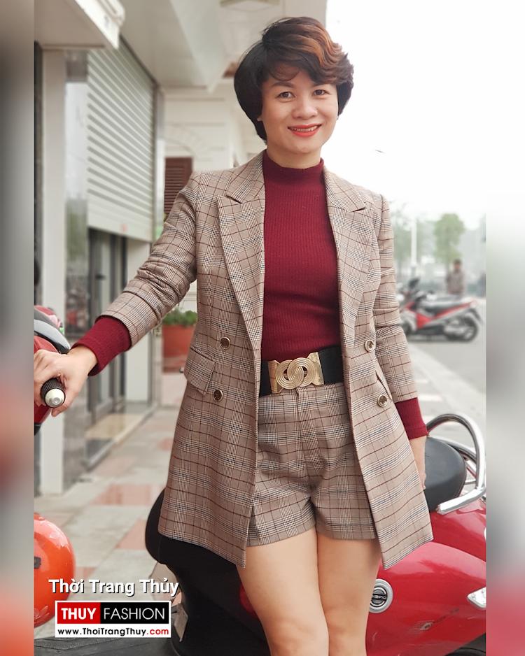 Bộ áo vest nữ dài qua mông và quần short kẻ caro V694 thời trang thủy hải phòng 2